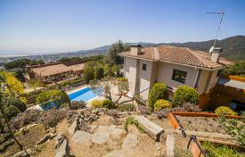 Houses with pools for sale in Costa del Maresme. Villa – Cabrils, Catalonia, Spain