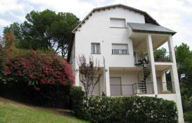 4 bedroom houses for sale in Castelldefels. Villa – Castelldefels, Catalonia, Spain