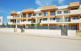 Cheap 3 bedroom apartments for sale in Costa Blanca. 3 Bedroom apartment near the beach in La Zenia