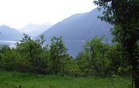 Coastal development land for sale in Kotor (city). Land in Ljuta, an exclusive area of Kotor municipality. 400 m² of flat urbanized land with stunning sea view, only 70meters from the sea.