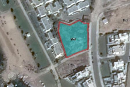 Property for sale in Tomb of the Kings. 1,517 m² plot in Paphos 50 meters from the sea
