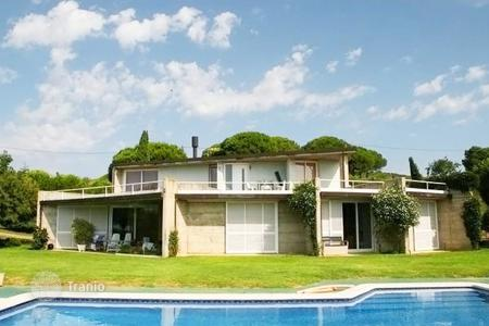 Houses with pools for sale in Mataro. Villa – Mataro, Catalonia, Spain