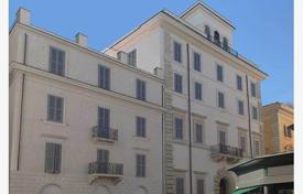 Luxury 4 bedroom apartments for sale in Italy. New perfect apartment on the square Borghese (piazza Borghese) near Via Condotti in a historic building completely renovated