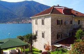 Stone villa on the sea front in Dobrota for 1,200,000 €