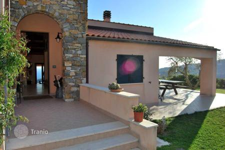 4 bedroom houses for sale in Italy. Villa with sea views in Civezza