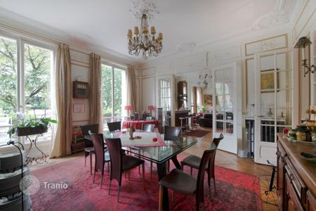 Luxury 4 bedroom apartments for sale in Ile-de-France. Apartment – Paris, Ile-de-France, France