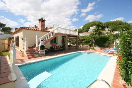 3 bedroom houses for sale in Costa del Sol. Villa – Marbella, Andalusia, Spain