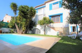 5 bedroom houses by the sea for sale in Côte d'Azur (French Riviera). Detached house – Juan-les-Pins, Antibes, Côte d'Azur (French Riviera), France
