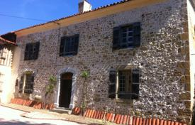 5 bedroom houses for sale in Occitanie. Historical villa with outbuildings and a spacious garden, 20 minutes drive from Lannemezan, France