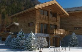 Cheap houses for sale in French Alps. Villa – Morzine, Auvergne-Rhône-Alpes, France