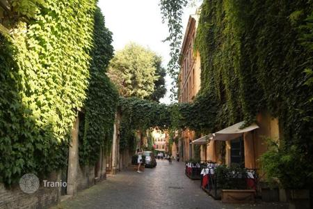 1 bedroom apartments for sale in Rome. Unique apartment in the historic centre of Rome
