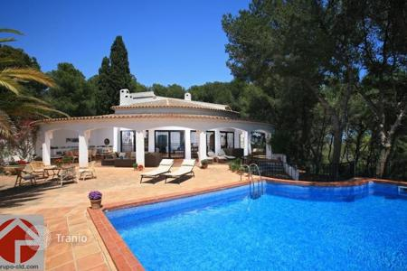 5 bedroom houses by the sea for sale in Benissa. Villa – Benissa, Valencia, Spain