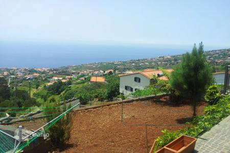Property for sale in Estreito da Calheta. House for sale in Calheta