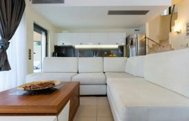 Apartments for sale in Athens. Buy-to-let villa with yield of 6%, Saronida, Greece