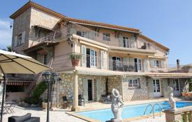 Houses with pools for sale in Mandelieu-la-Napoule. Beautiful villa the sea view, Mandelieu-La-Napoule, France