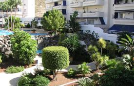 Apartments with pools for sale in Tenerife. Apartment – Los Cristianos, Canary Islands, Spain