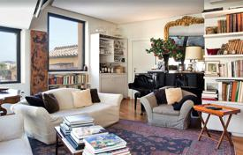 4 bedroom apartments for sale in Rome. Two-level penthouse with three terraces and a panoramic view, in the center of Rome, Italy