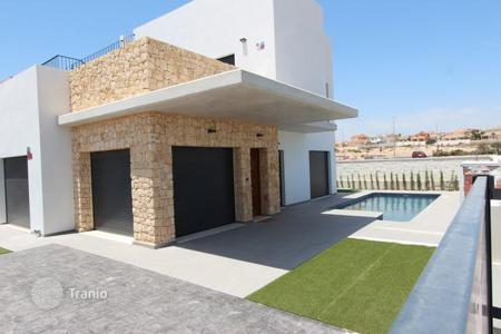 Houses for sale in Guardamar del Segura. Luxury modern villa in Guardamar del Segura