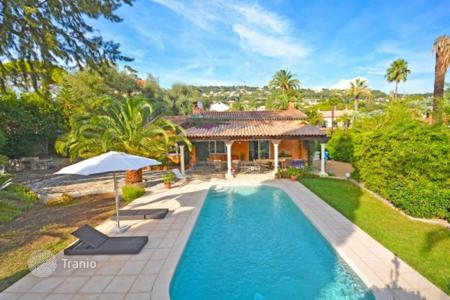 2 bedroom houses for sale in France. Villa - Cannes, Côte d'Azur (French Riviera), France