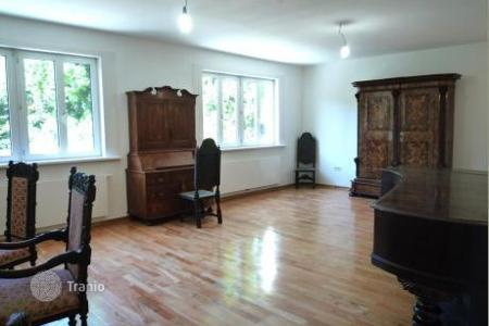 Luxury property for sale in Austria. 2-storey renovated cottage with a garden in Vienna