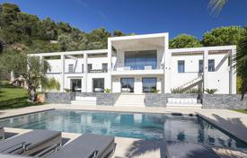Luxury residential for sale in Villefranche-sur-Mer. Modern villa with a mezzanine, a pool, a garden and sea views in a guarded residence, Villefranche-sur-Mer, French Riviera, France