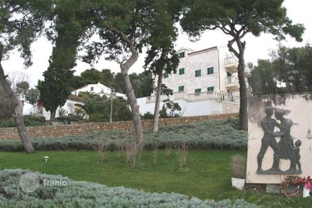 Residential for sale in Solta. Apartment - Solta, Split-Dalmatia County, Croatia