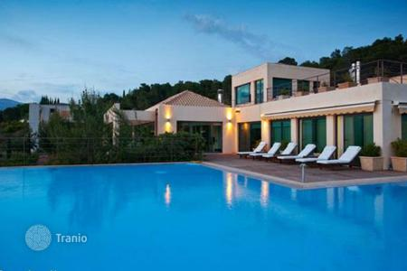 Houses with pools for sale in Porto Cheli. Furnished villa in Porto Cheli, Greece. Refined finishing, independent apartment opening to the garden, guarded residential complex