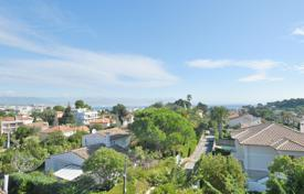 1 bedroom apartments for sale in Côte d'Azur (French Riviera). CAP D'ANTIBES — PANORAMIC SEA AND MONTAIN VIEWS