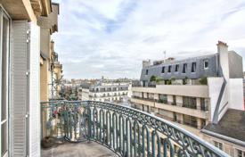 Residential to rent in Paris. PARIS 7/ SEVRES — NON-FURNISHED 3 BEDROOM APARTMENT WITH TERRACE