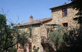 Houses for sale in Paciano. Traditional Tuscan house with a garden in Paciano, Umbria, Italy