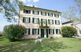 Residential for sale in Montù Beccaria. 19th century FARMHOUSE, in the hills of LOMBARDY