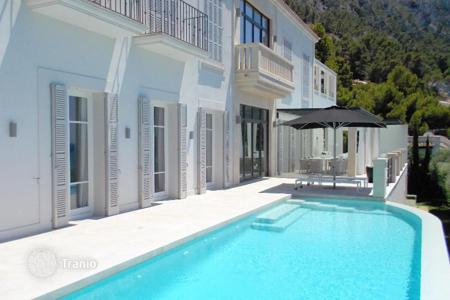 Luxury houses with pools for sale in Andratx. Detached house – Andratx, Balearic Islands, Spain