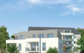 Apartments for sale in Hessen. Four rooms apartment with terrace and own garden in Wiesbaden