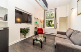 Renovated apartment with high ceilings in a period building, close to a park, London, United Kingdom for 645,000 £
