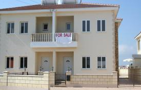 Coastal townhouses for sale in Paralimni. Lovely 3 Bedroom Semi-Detached House in Paralimni