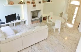 4 bedroom houses for sale in Italy. Furnished villa with private garden, Rimini, Italy