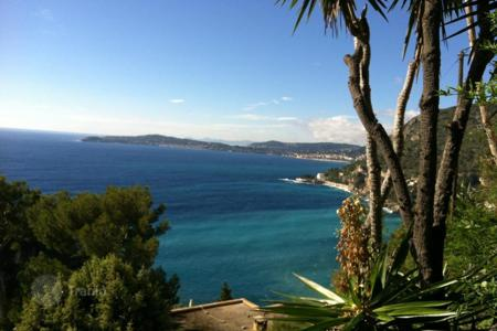 Houses for sale in Cap d'Ail. Villa for overhaul in Cap-D 'ail‎