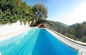 Houses with pools for sale in Menton. Сonveniently located villa with a swimming pool, Menton, France
