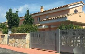 Foreclosed 3 bedroom houses for sale in Costa del Azahar. Villa – Peniscola, Valencia, Spain
