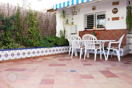 2 bedroom houses for sale in Sant Pol de Mar. House in Sant Pol de Mar, first line to the sea