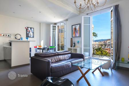 Cheap apartments for sale in Nice. Carré d'Or, superb one bedroom apartment