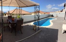Modern villa with a large terrace, swimming pool and ocean views in Callao Salvaje, Tenerife for 400,000 €