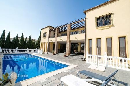 Property to rent in Andalusia. Villa - La Cala de Mijas, Andalusia, Spain