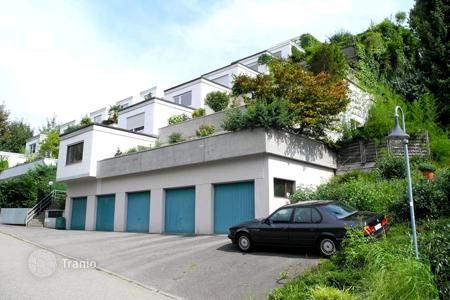3 bedroom houses for sale in Inzlingen. Many levels house with two terracies in Inzlingen