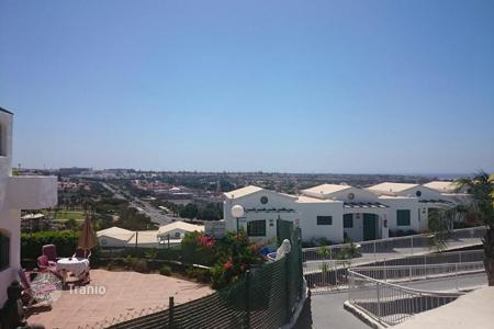 Coastal houses for sale in Gran Canaria. Bungalow with views over Maspalomas