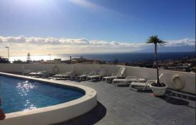 Cheap apartments with pools for sale in Adeje. Apartment – Adeje, Canary Islands, Spain