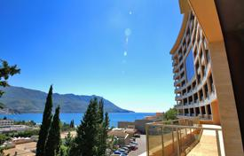 3 bedroom apartments by the sea for sale in Montenegro. 3 bedroom apartment with sea view