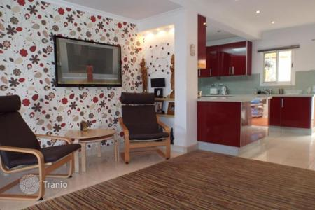 Residential for sale in Gran Canaria. Luxury house in small complex near sea