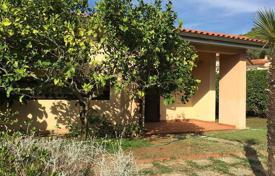 Houses for sale in Portoferraio. Two-storey villa with a garden and a parking in Portoferraio, Tuscany, Italy