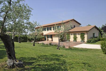 Villas and houses for rent with swimming pools in Lazio. Villa Ottavia